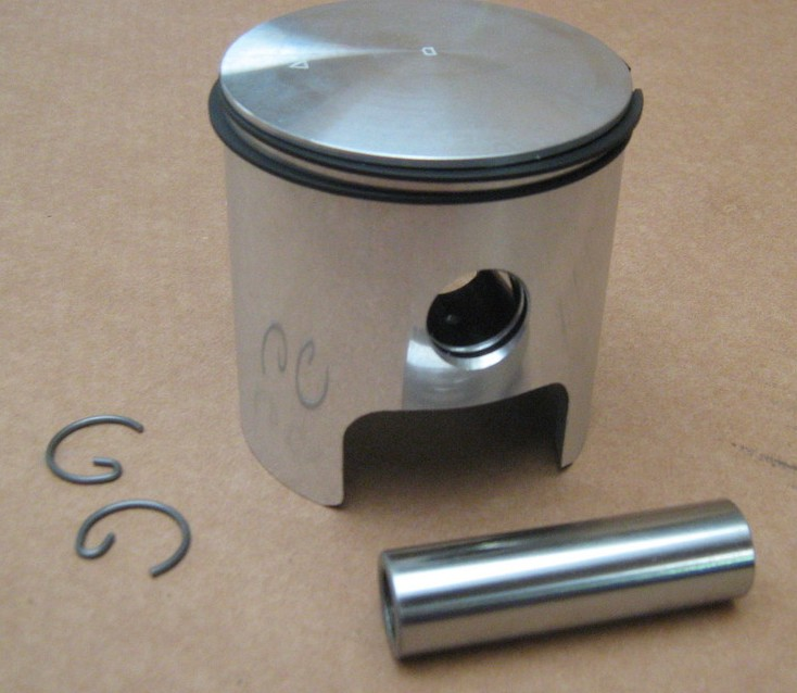 Piston Asso Fantic Trial 300 301 303 249cc cote B 73,95